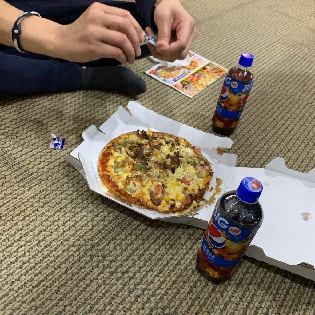 業務終わりの夜食ピザ☆★